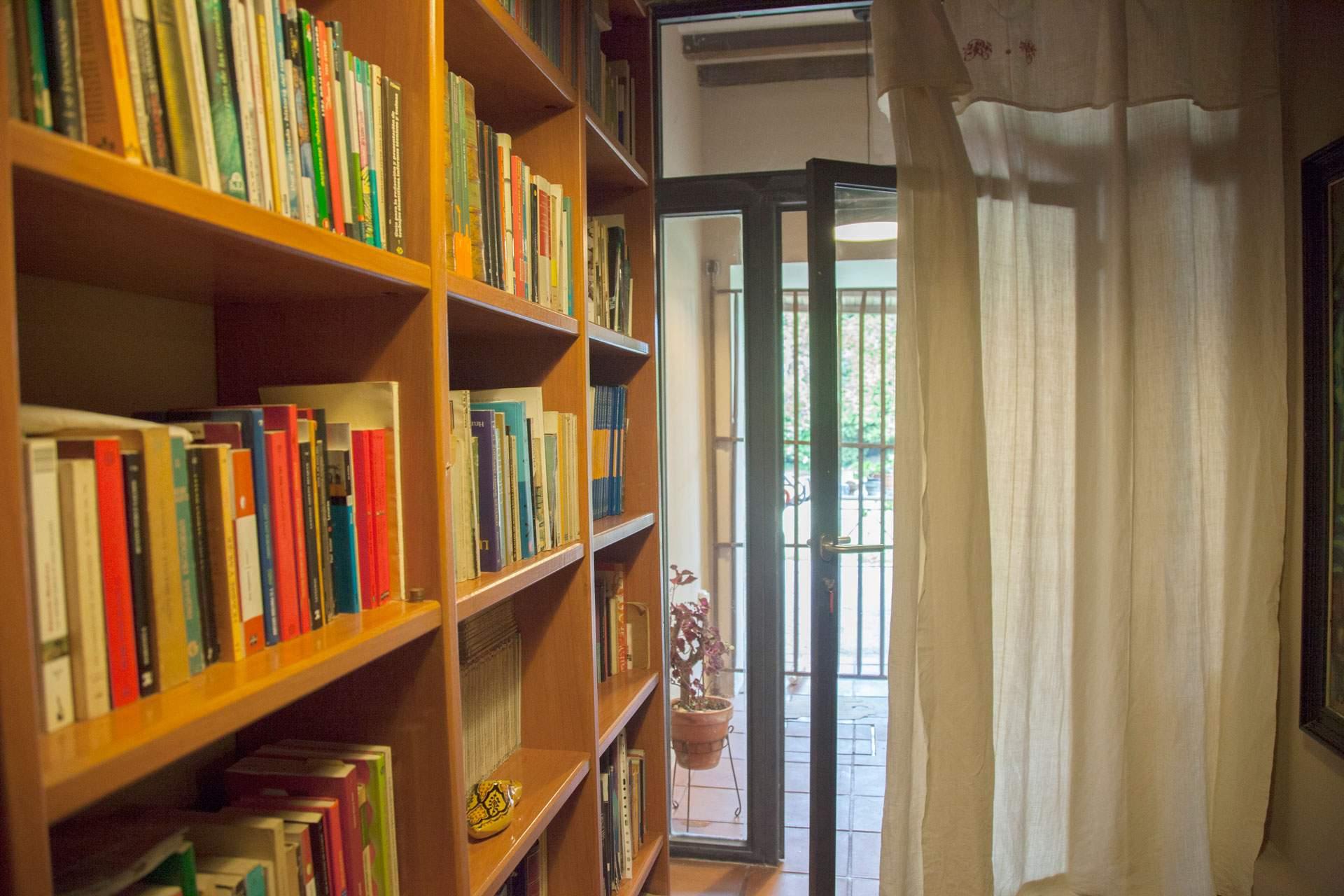 Biblioteca - Casa Rural Priorato San Martín